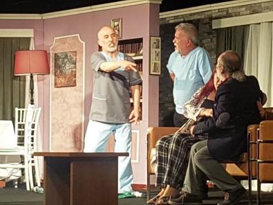 Ergene'de 'Dokuz Canlı' Tiyatro Oyunu Sahnelendi