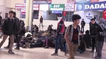 OTOBÜS TERMİNALİ - Erzurum'da Yakalanan Kaçak Göçmenler Otogarda Uyuyakaldı