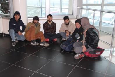 Erzurum Otogarı Kaçak Göçmenlerle Dolup Taştı