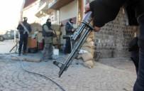 LAV SİLAHI - Hakkari'de Silah Ve Mühimmat Ele Geçirildi