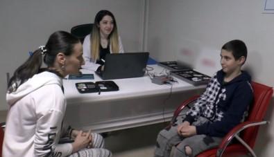 İşitme Engelli Çocuk İlk Kez Annesinin Sesini Duydu