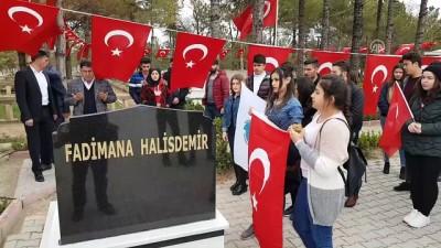 Öğrenciler Şehit Halisdemir'in Annesini Unutmadı