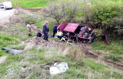 Otomobil Şarampole Yuvarlandı Açıklaması 3 Yaralı
