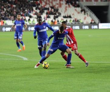 Spor Toto Süper Lig Açıklaması DG Sivasspor Açıklaması 0 - Kardemir Karabükspor Açıklaması 0 (İlk Yarı)
