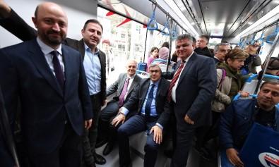 Toplantıya Tramvayla Geldiler