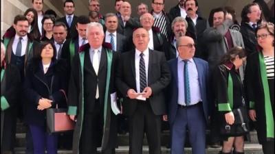 Uşak'ta Adliyede Otopark Eylemi Yapan Avukatlar Beraat Etti