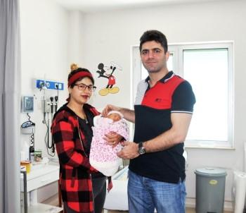 2 Günlük Bebekten 10 Santimetrelik Kist Alındı
