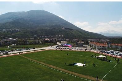 Ali Dağı'nda Yamaçparaşütü Türkiye Şampiyonası Başladı