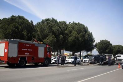 Antalya'da 3 Araçlı Zincirleme Kaza Açıklaması 2 Yaralı
