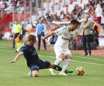 Antalyaspor Bursa'yı 2 golle geçti