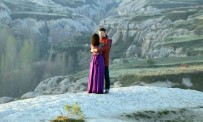 Aşıklar Tepesi'nde Kırgız Kız, Erkek Arkadaşını Dakikalarca Tokatladı