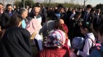 YUNUS BALIKLARI - Başbakan Yardımcısı Işık, Gençlerle Yürüdü