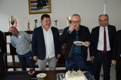 Başkan Cengiz Ergün'e 9. Yıl Sürprizi