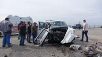 ŞELALE - Çanakkale'de Trafik Kazası Açıklaması 1 Ölü, 4 Yaralı