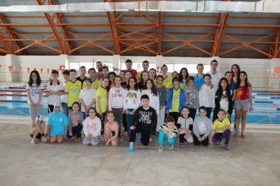 Düzce'de Okul Sporları Yüzme Yarışları Yapıldı