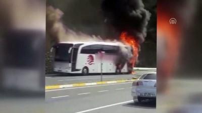 Düzce'de Otobüs Yangını