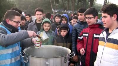 Gençler Sabah Namazında Şehitlikte Buluştu