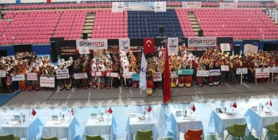 Halk Oyunları Grup Müsabakaları Adıyaman'da Başladı