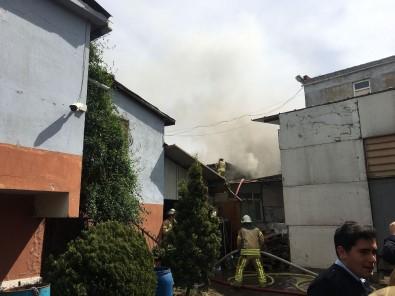İstanbul'da Fabrika Yangını Korkuttu