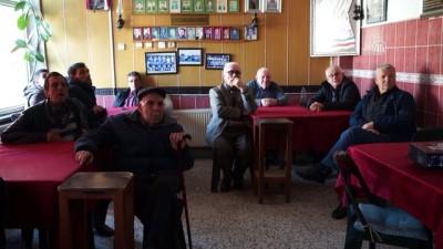 Kahvehanede Telefon Dolandırıcılığı Ve Güvenli İnterneti Anlattılar