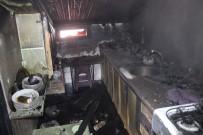 ÇATI KATI - Kocaeli'de Ev Yangını Açıklaması 6 Yaralı