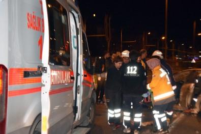 Malatya'da Refüje Çarpan Otomobil Takla Attı Açıklaması 4 Yaralı