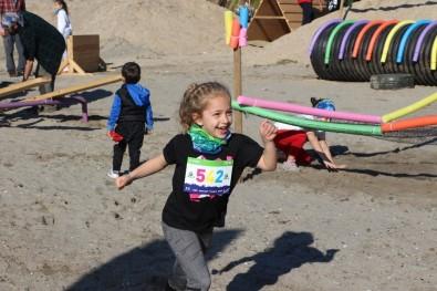 Marmaris'te Freeathlon Yarışları Renkli Görüntülere Sahne Oldu