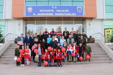 Öğrencilerden Kütahya İl Jandarma Komutanlığı'na Ziyaret Etti