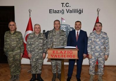 Org. Akar Elazığ'da Birlikleri Denetledi