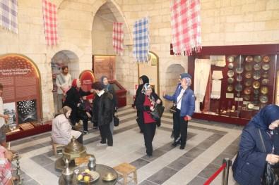 Hamam Müzesinde Turist Yoğunluğu