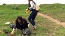 GRAFIK TASARıM - Taşkının Getirdiği Çöpleri Topladılar