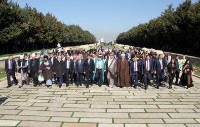 Türkmen Alevi Bektaşi Vakfı Üyeleri Anıtkabir'i Ziyaret Etti