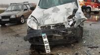 TİCARİ TAKSİ - Ankara'da Zincirleme Trafik Kazası Açıklaması 4 Yaralı