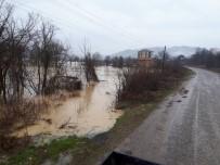 DERECIK - Bartın'da Baraj Tahliye Kapakları Açıldı