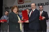 YUSUF ZIYA GÜNAYDıN - Başkan Gümrükçüoğlu En Sevilen Belediye Başkanı Ödülünü Aldı