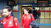 AHMET NUR ÇEBİ - Beşiktaş Kafilesi Trabzon'a Geldi