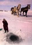 ÇıLDıR GÖLÜ - Ekmeğini Buzdan Kazanan Balıkçı Kadınlar Belgesel Oldu
