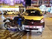ŞEKERHANE MAHALLESİ - Motosikletle Otomobil Çarpıştı Açıklaması 1 Yaralı