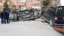 KENDIRLI - Niğde'de Trafik Kazası Açıklaması 6 Yaralı