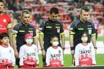 EMRE GÜRAL - Süper Lig Açıklaması- Antalyaspor Açıklaması 0 - Demir Grup Sivasspor Açıklaması 1 (İlk Yarı)