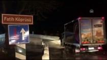 KIRKPINAR GÜREŞLERİ - Tunca Nehri Taştı, Fatih Köprüsü Trafiğe Kapatıldı