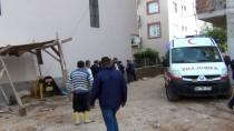 Adana'da İnşaattan Düşen İşçi Öldü