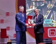 YUSUF ÖZDEMIR - Başkan Özdemir'e Ödül Verildi