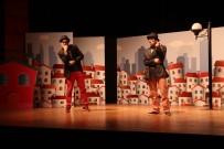 KADIR HAS - Büyükşehir'den Çocuklara Üç Ayrı Tiyatro