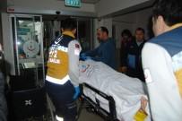ÇANAKKALE ONSEKIZ MART ÜNIVERSITESI - Çanakkale'de Trafik Kazası Açıklaması 2 Yaralı