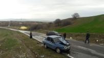 İBRAHIM KARA - Sungurlu'da İki Ayrı Trafik Kazası Açıklaması 2 Yaralı