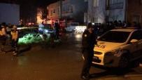 ASKER KAÇAĞI - Asker Kaçağı Şahıs Polislere Saldırdı Açıklaması 1 Polis Şehit, 2 Yaralı