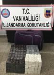 YOLCU MİNİBÜSÜ - Başkale'de 800 Paket Kaçak Sigara Ele Geçirildi