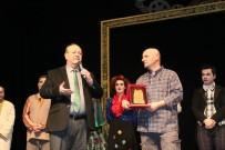 AYDıN KÜLTÜR MERKEZI - Efeler Belediyesi Tiyatro Günleri'nde Salonlar Doldu Taştı