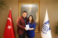 ZEKİ MÜREN - İlk Kitabını Başkan Kocadon'a Sundu